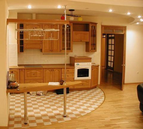 Дизайн пола в кухни
