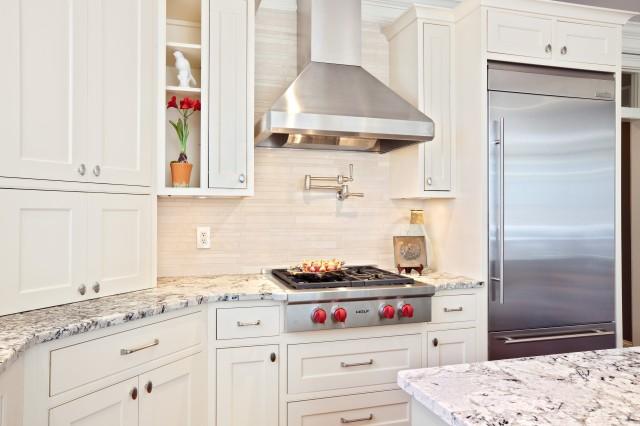 Вытяжка на кухне дизайн