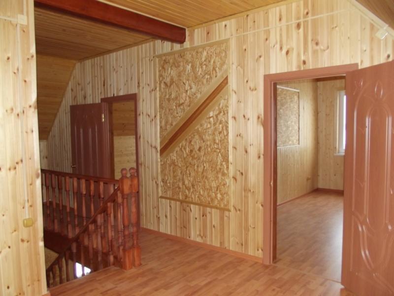 Как и чем обшить деревянный дом внутри