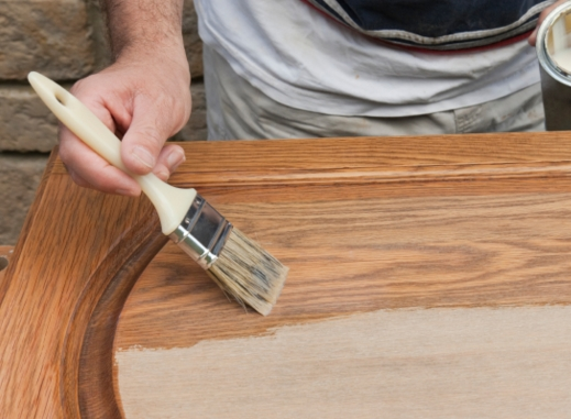 Обновить входную деревянную дверь своими руками