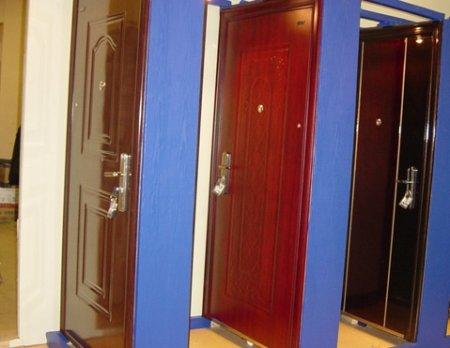 металлические двери из фабрики