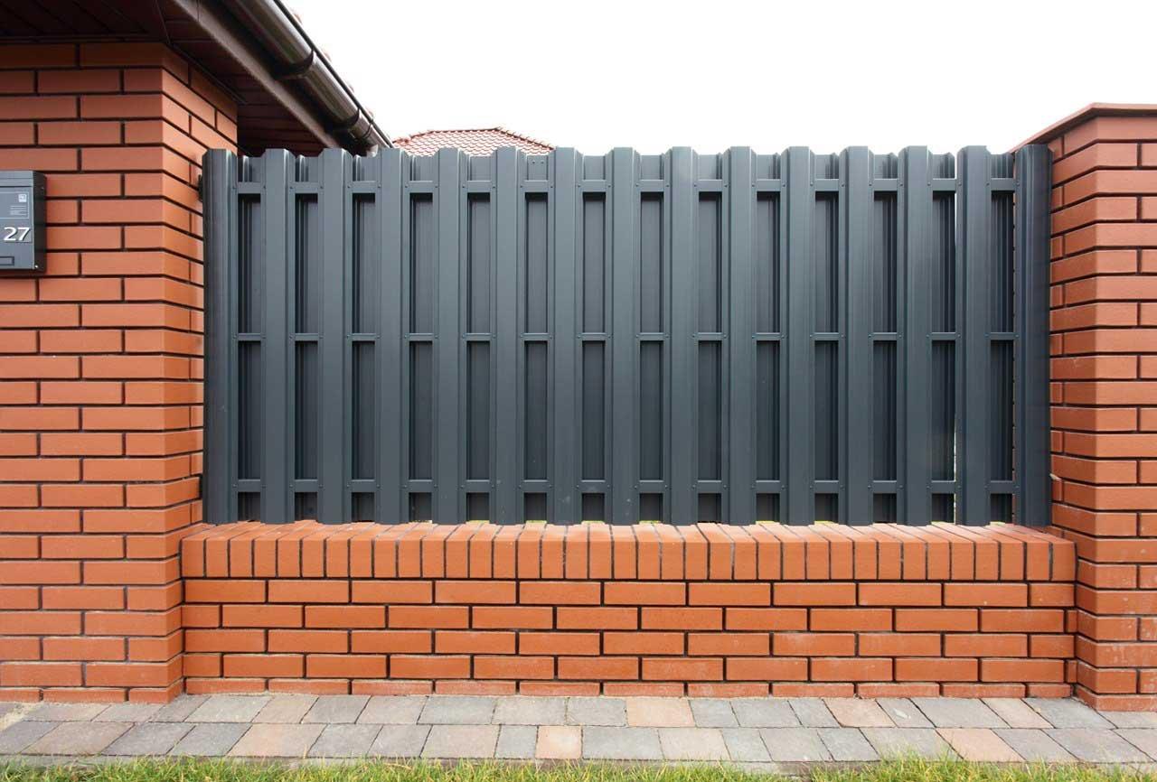 Заборы двухсторонние металлические ворота калитка бронницы