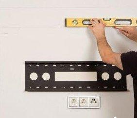 Как закрепить телевизор на стену?