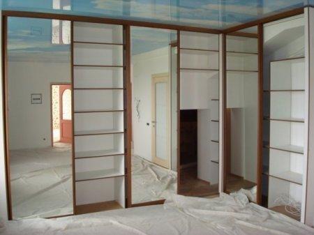 Что сначала? Потолок или встроенный шкаф?