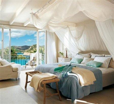 Стильный балдахин над кроватью