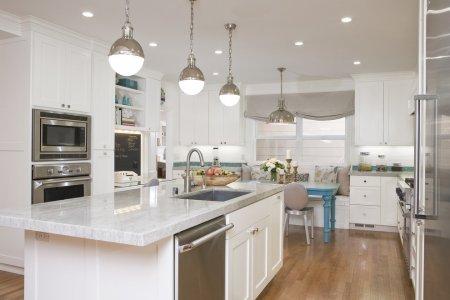 Особенности организации декоративного и функционального освещения кухни