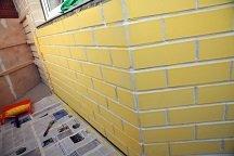 Как покрасить наружную кирпичную стену