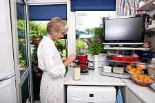 Как выбрать телевизор на кухню