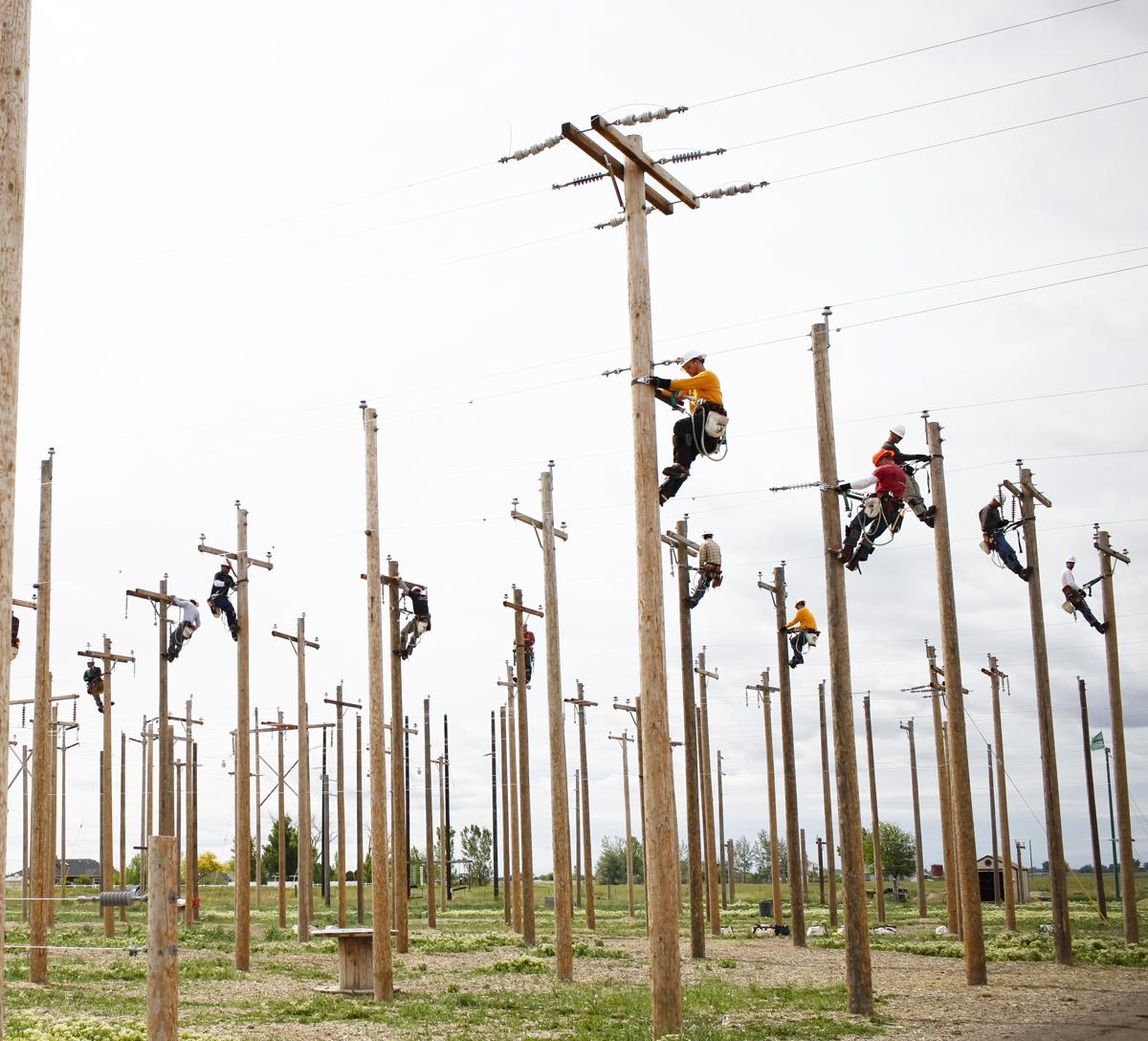 деревянный столб для электричества относятся общеупотребительной