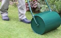 Зачем нужен газонный каток