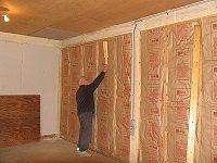 Как утеплить деревянные стены изнутри