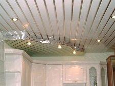 Сильные и слабые стороны алюминиевого реечного потолка