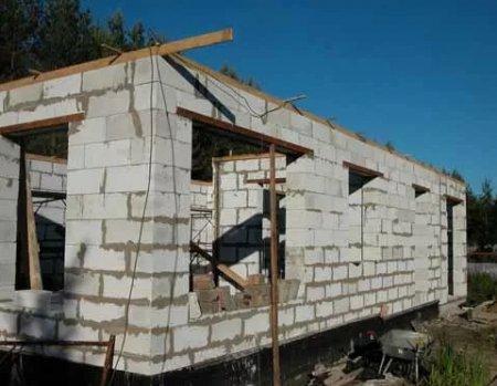 Строительство одноэтажного дома из пенобетонных блоков