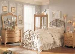 Новая спальня с отголосками старины