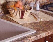 Какой материал выбрать для столешниц на кухне?