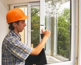 Пластиковые окна: ставить самостоятельно или доверить монтаж профессионалам?